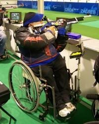 R1 Luftgewehr Sitzend aus dem Rollstuhl